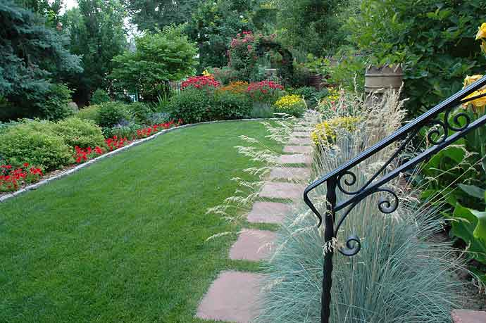 3 Reasons to hire a Landscape Professional